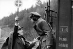 1966 Ostre sledovane vlaky - Trenes rigurosamente vigilados (foto) 05